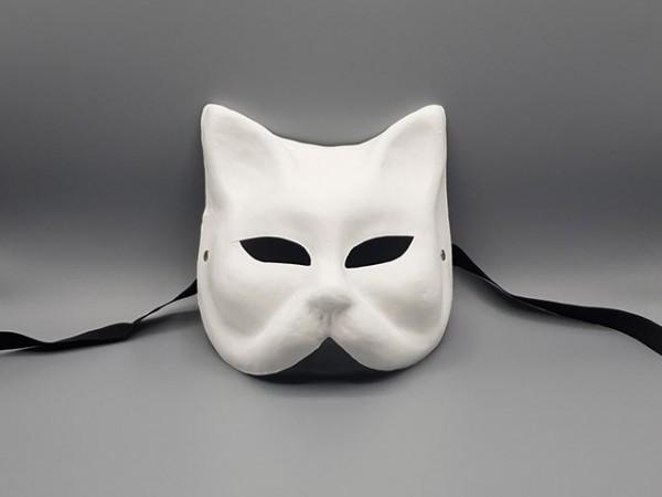 Máscara blanca de un gato veneciano