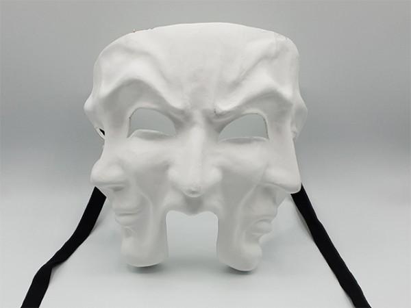 Máscara de teatro con tres rostros