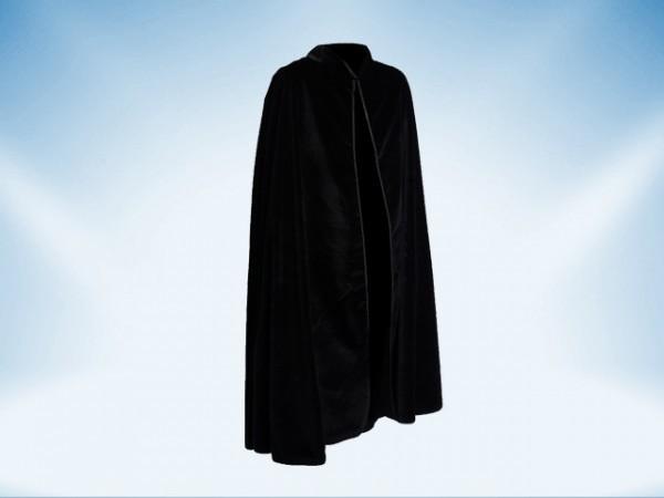 Capa con cuello en terciopelo negro