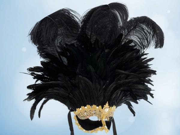 La Gran Máscara con plumas negras