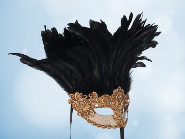 Máscara de Baile en dorado con plumas negras para dama