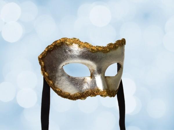 Máscara plateada de fiesta