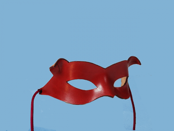 Máscara de cuero rojo Gatúbela